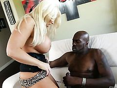 Lexington Steele drops on her knees to gives deep blowjob to handsome guy