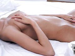 Lisa M. with bald beaver has some time to play with herself for cam