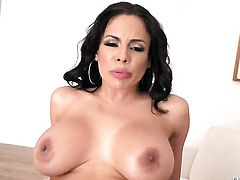 Manuel Ferrara uses his throbbing sausage to make blowjob addict Senora Luna Star happy