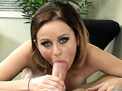 Mae Mayers has a great desire for pussy drilling