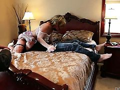 Madelyn Monroe has a nice time blowing guys meat stick