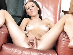 Lucy heart with tiny boobs and shaved beaver fills the hole between her legs with dildo
