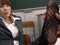Have you ever fantasized about hot teachers, eager to have fun with students? The horny boy in uniform kisses passionately Hatano's sensual lips. Click to watch the atmosphere turning hot in the classroom, as the guy is offered a kinky feet job!