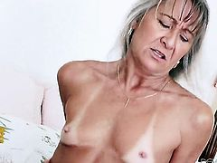 Leilani Lei gags on rock solid man meat of Marco Banderas