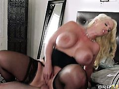 Milf Brick Danger with bubbly bottom has some dirty fantasies to be fulfilled with guys throbbing boner in her mouth