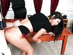 Brunette Anna Morna has fire in her eyes as she gets her nice face covered in sticky nectar