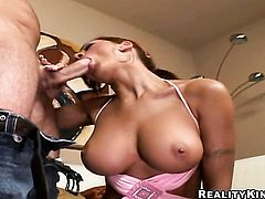 Blonde Amy Reid gagging on guys sturdy schlong