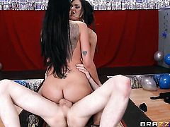 Brunette Raven Bay with big jugs gets turned on then mouth fucked