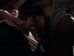 Alektra Blue takes oral sex to the whole new level