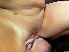 Stacked porn girl Julie Cash has some time to get some pleasure with guys ram rod in her mouth