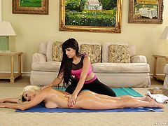 Some exotic massage on the floor. Sizzling hot Cameron, wanted to relax a bit, so her best friend gave her a perfect massage. Mercedes did some magic with her hands and oil, moved her hands softly, and made her body relax. Then she slowly reached down to her pussy.