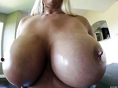 Breathtakingly sexy wench Karen Fisher deserves a fuck