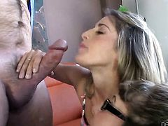 Alexandra Silk loves the way horny guy pounds her bush