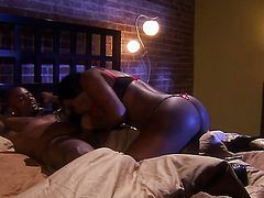 Jada Fire drops on her knees to be mouth fucked