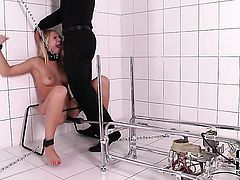 Lucy Heart turns man on to make him squirt the load out