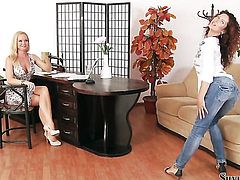 Brunette Silvia Saint is on the way to the height of pleasure with sex toy in her vagina