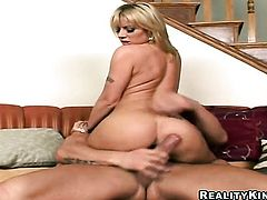 Blonde Velicity Von with huge hooters and shaved bush gets her mouth destroyed by guys tool