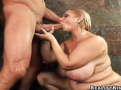 Blonde Samantha 38g with big bottom has some time to get some pleasure with dudes boner in her mouth