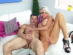 Mature babe is a best sex teacher ever