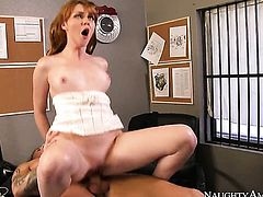 Marie McCray has dick-hungry love tunnel and takes care about guys erection