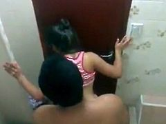 Asian couple fucking in the bathroom RO7