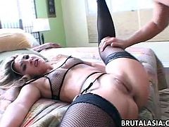 Blonde mesmerizer getting her wet psusy fucked in all kinds of positions. She loves the deep drill down as her boobs bounce up and down so she cums like crazy.