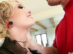 Proxy Paige loves the way man drills her mouth