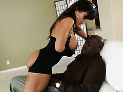 Lexington Steele loves the way rod makes its way deep inside her fuck hole in interracial action