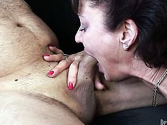 Vanessa Videl wants mans love torpedo to fuck her mouth
