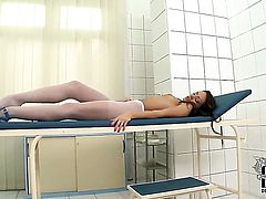 Sophie Lynx masturbates for your viewing entertainment