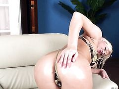 Blonde Kevin Moore makes her sex dreams a come true with hard cocked guy