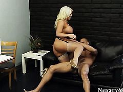 Blonde asian Karlo Karrera with juicy ass and shaved pussy is good at fucking