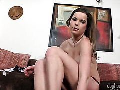 Pretty hottie Roxy Taggart is too hot to stop masturbating