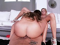 Blonde Jessa Rhodes gets down on her knees to be throat fucked