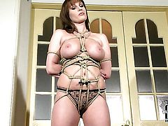 With juicy jugs and hairless muff does her best to turn you on in solo scene
