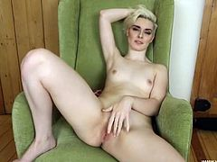 Sexy JOI from the tight blonde British girl