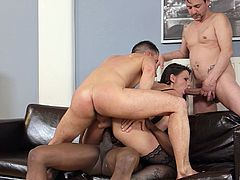 Simony Diamond never had to deal with three cocks at the same time!