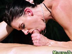 Masseuses pussy fucked