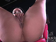 Angelina Valentine makes Alcohol into Squirt