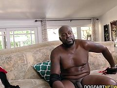 Accountant Alyssa Lynn gets her pussy stretched by Lexington Steele...