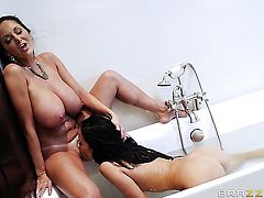 Brunette Ava Addams with massive breasts wants this lesbian sex session with horny Jordi El Nio Polla to last forever