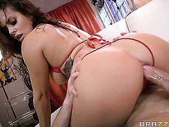 Bill Bailey wants to fuck dangerously horny Keisha Grey's hot mouth forever before she gets her fudg