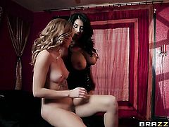 Brunette chicana Arya Fae has lesbian sex session of her lifetime with Raven Hart