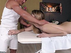 Blonde with big knockers lets dude shove his sturdy snake in her mouth