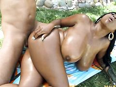 Voodoo uses his stiff meat pole to bring blowjob addict Piercings african Maserati with big tits and trimmed twat to the height of pleasure