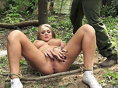 Blonde with huge knockers knows how to take oral sex to the whole new level