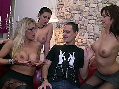 Slutty blonde Melina Pure arranges reverse gangbang for her kinky boyfriend
