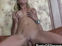 Delicious blond hoe Phoenix enjoy playing with her pussy cowgirl style