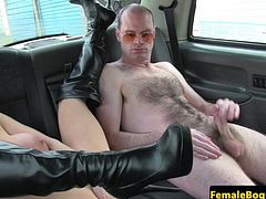 Bigtitted london cabbie cocksucks on backseat