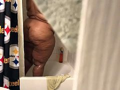 Love Brown Granny in the shower Pt4!